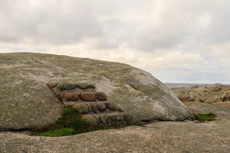 Малая каменная лестница на горе стоковая фотография rf