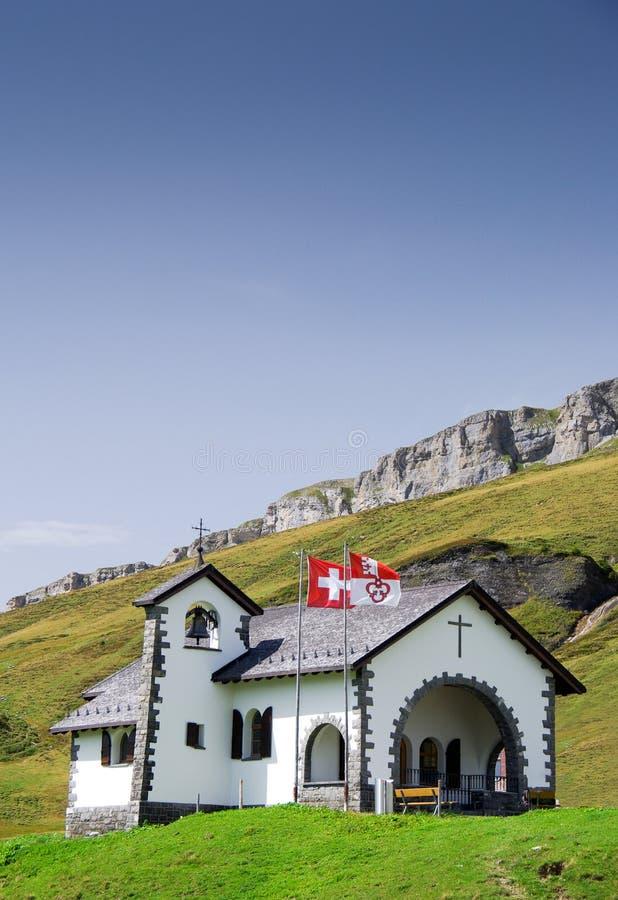 Малая швейцарская молельня горы стоковые изображения