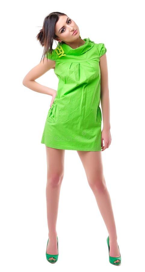 Маленькая девочка в зеленом платье стоковая фотография rf