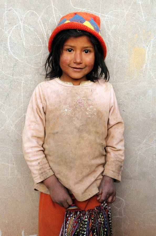 Маленькая индигенная девушка от Перу стоковое фото rf