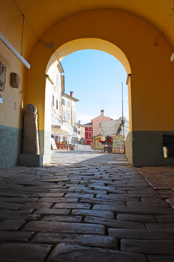 маленький город buzet стоковое изображение rf