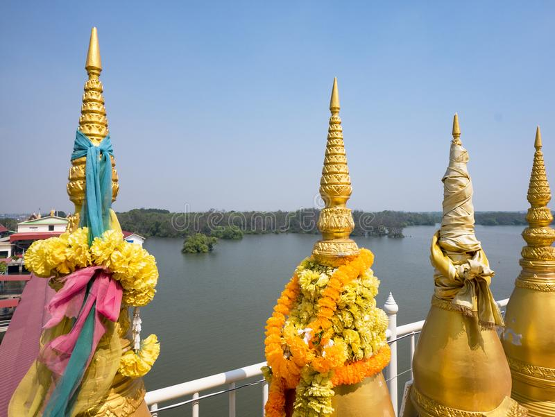 Малые stupas на буддийском виске в Таиланде стоковое фото