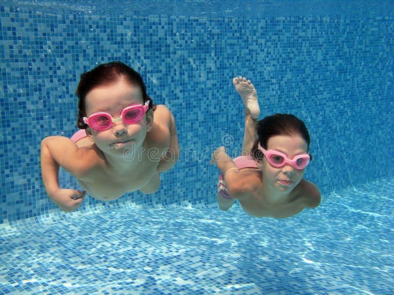 малыши подводные стоковое фото rf