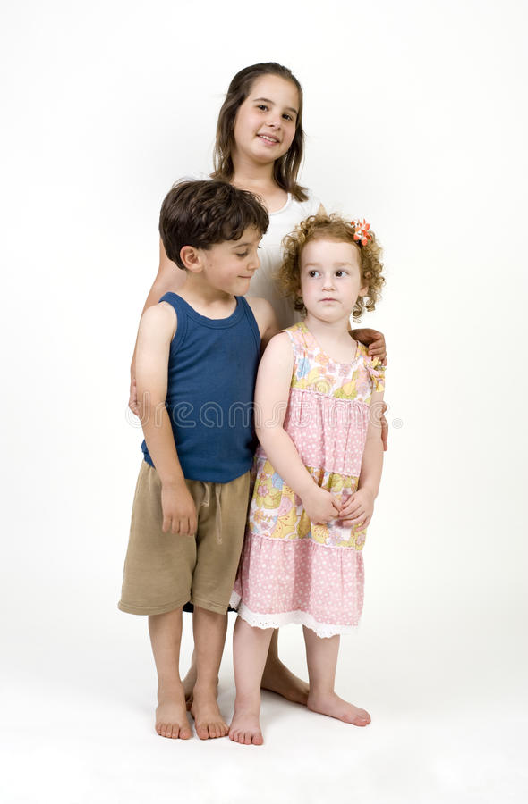 малыши представляя 3 стоковые фотографии rf