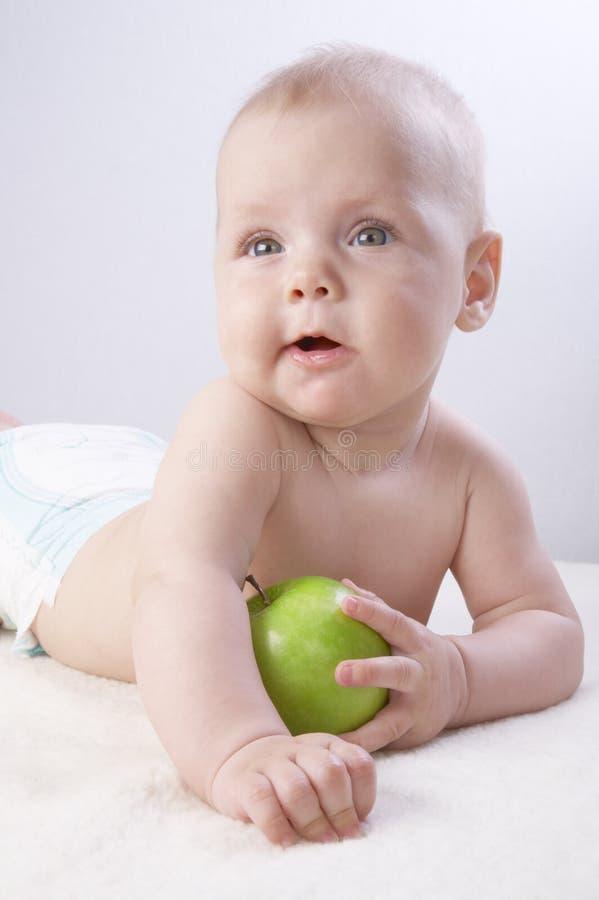 малыш 10 яблок стоковая фотография