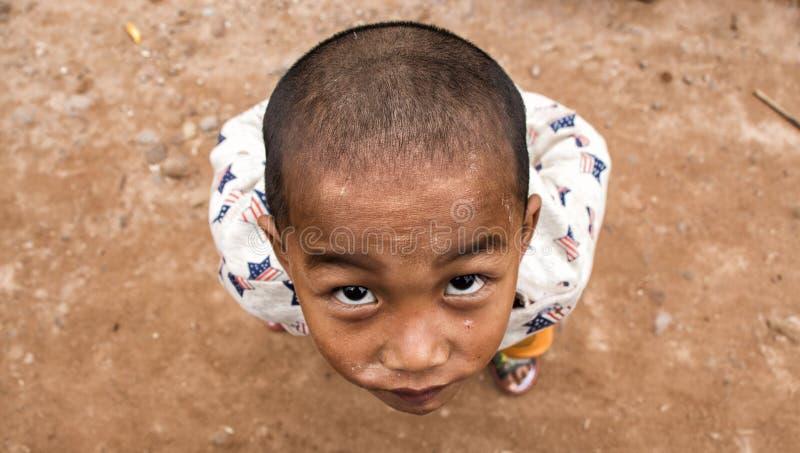 Мальчик от этнической группы Akha в Лаосе стоковые фото