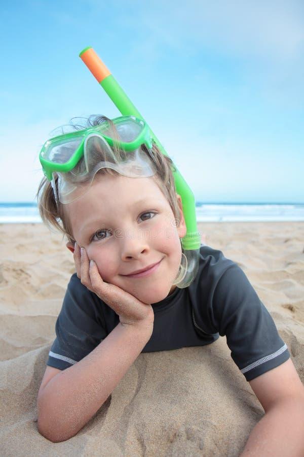 Мальчик пляжа. стоковое изображение rf