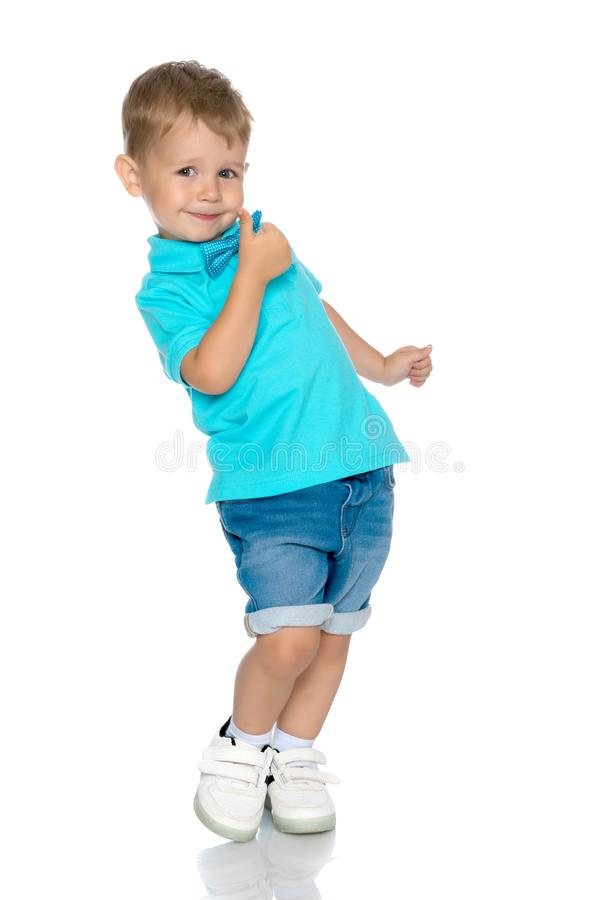 мальчик скача немного стоковые изображения