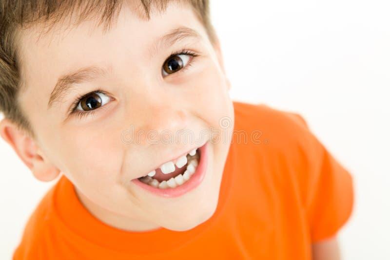 мальчик счастливый стоковое фото rf