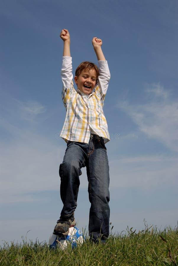мальчик шарика стоковое изображение rf