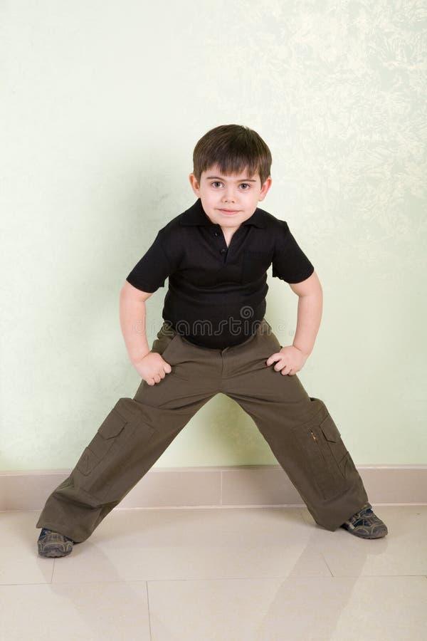 Download мальчик стоковое изображение. изображение насчитывающей браслетов - 6856551