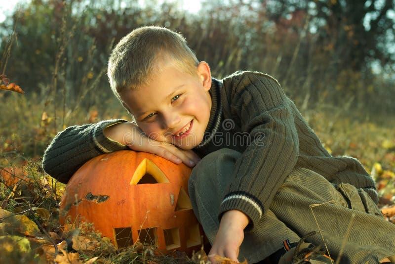 мальчик halloween стоковое изображение rf