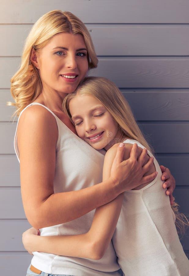 Мама и дочь стоковые фото