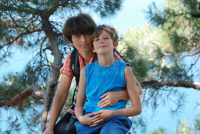 Мама и сын стоковые изображения