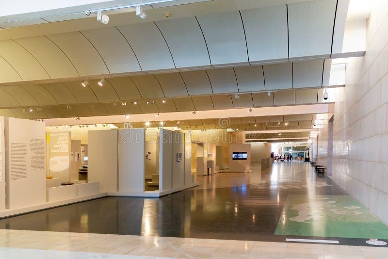 МАНАМА, Бахрейн - 19-ое декабря 2018: Hall Национального музея Бахрейна стоковые изображения