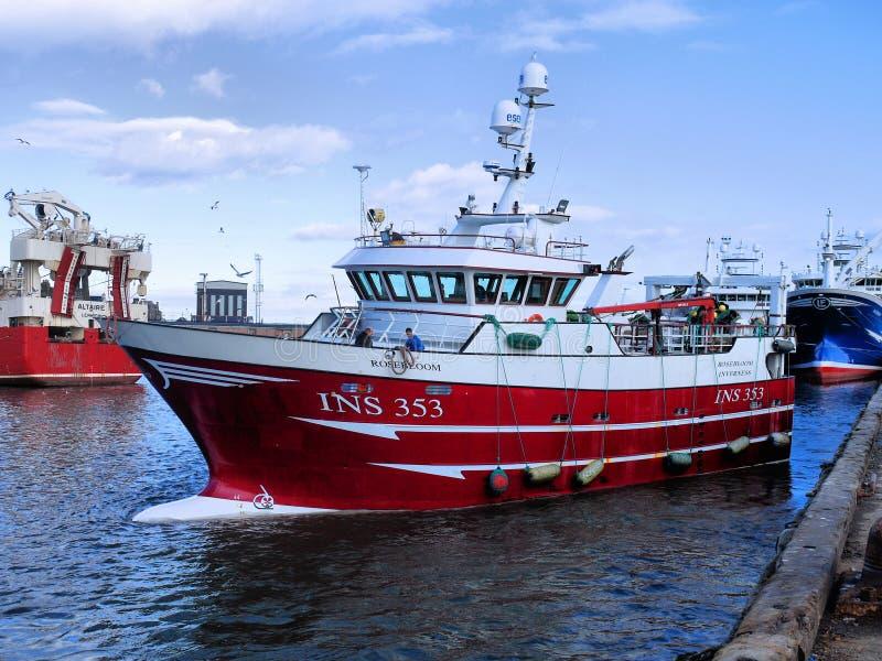 Маневры Rosebloom INS353 рыбацкой лодки стоковое фото