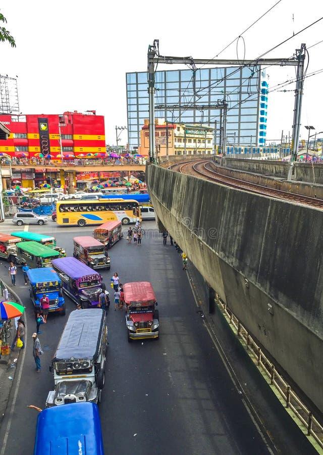 Манила, Филиппины - 19-ое июля 2015: Пересечение бульвара-EDSA Taft в Pasay стоковая фотография