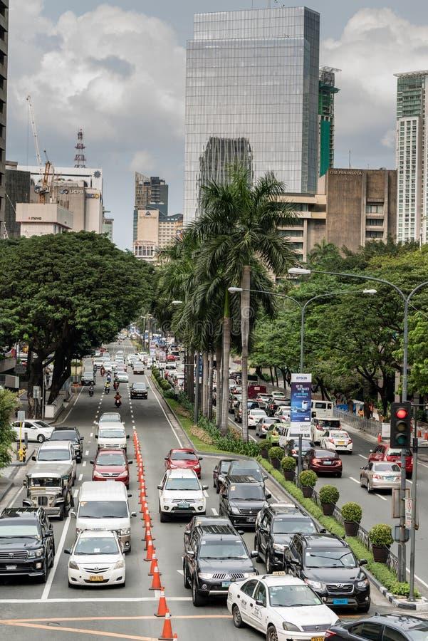 МАНИЛА, ФИЛИППИНЫ - 2-ОЕ ФЕВРАЛЯ 2018: Движение в Маниле, Makati, Филиппинах стоковое фото rf