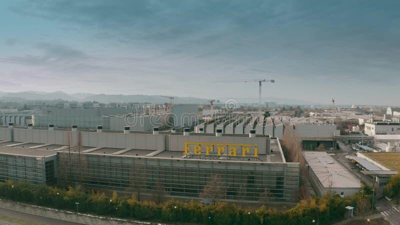 МАРАНЕЛЛО, ИТАЛИЯ - 24-ОЕ ДЕКАБРЯ 2018 Воздушная съемка фабрики автомобиля Феррари стоковая фотография