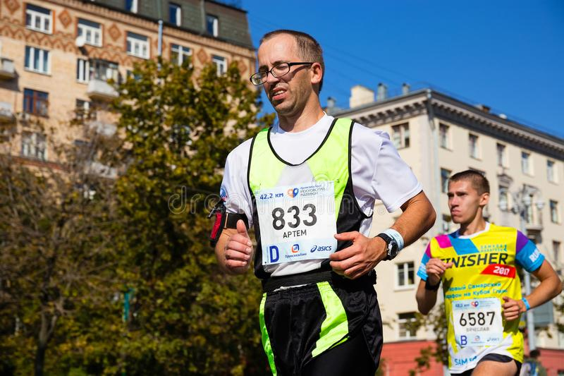 Марафон Москвы 2017, участники в гонке 42 km стоковые изображения