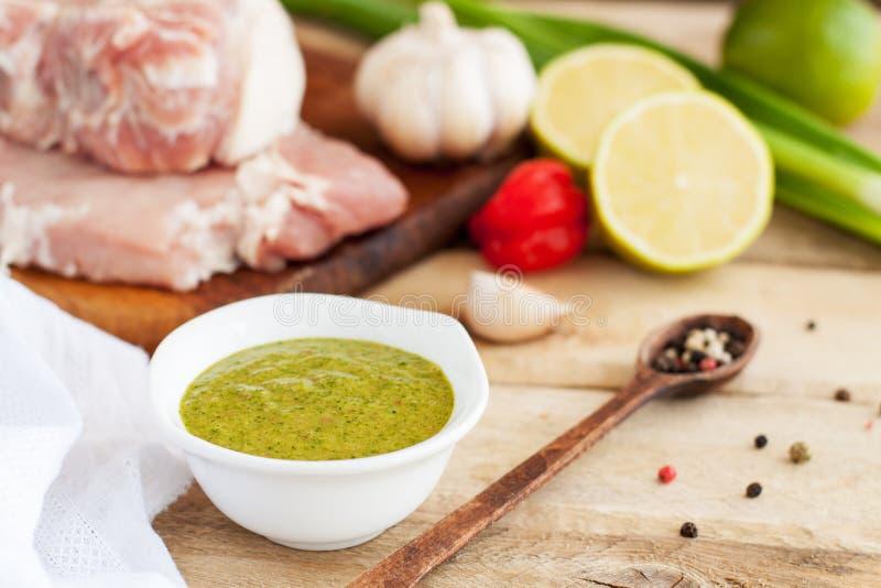 Маринад рывка с свининой и овощами стоковое изображение rf