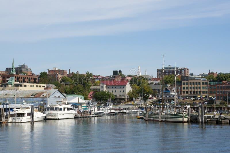Марина и горизонт Burlington Вермонта от озера Champlain стоковая фотография