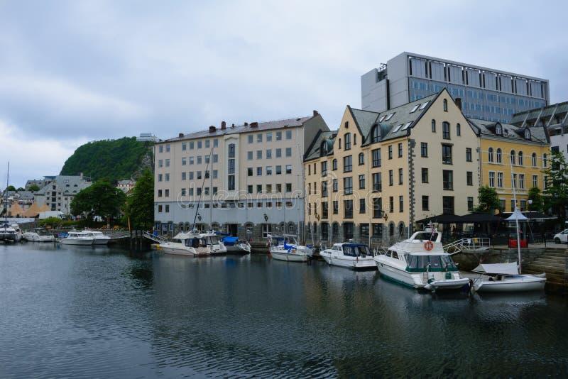 Марина и шлюпки в Alesund стоковое фото rf