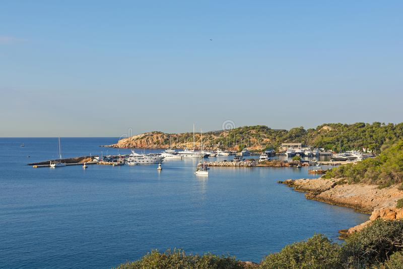 Марина на заливе Vouliagmeni, Греции стоковая фотография
