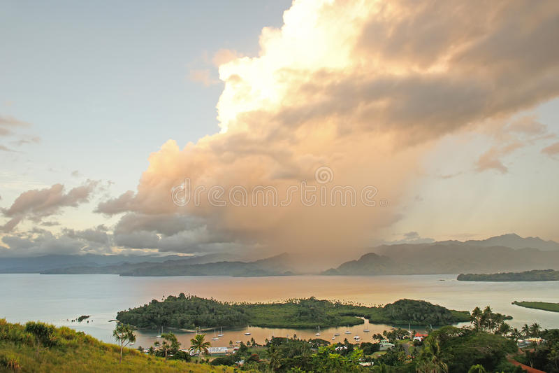 Марина Savusavu и островок Nawi, остров Vanua Levu, Фиджи стоковое фото