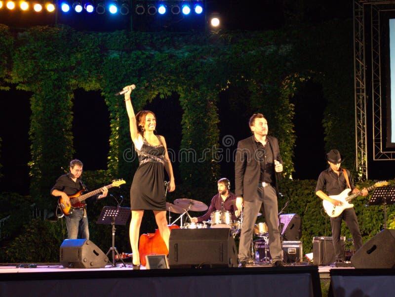 Мария Ilieva и Lubo на концерте стоковые фото