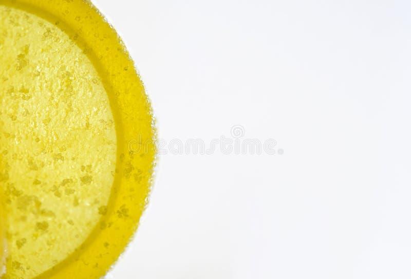 Мармелад сыра сладостного лимона покрытый с сахаром на белой предпосылке стоковая фотография rf