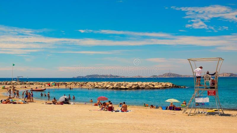 Марсели-Bonneveine приставают отдыхающих к берегу стоковое фото