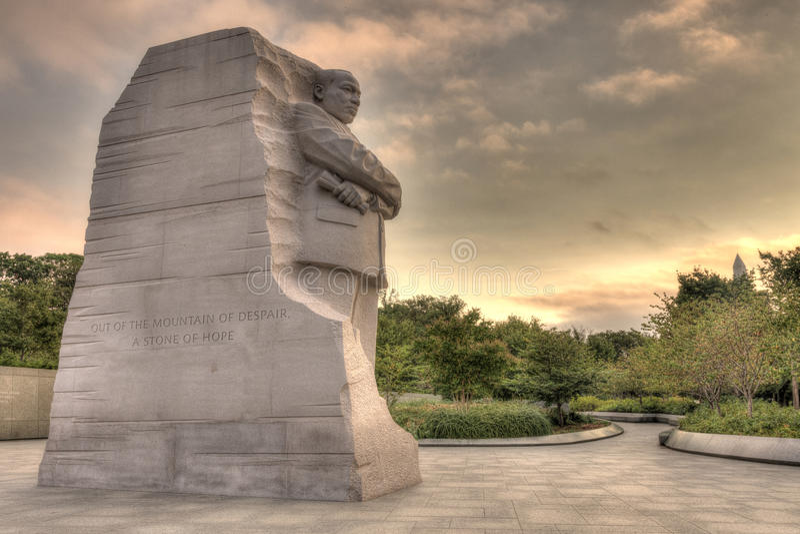 Мартин Лутюер Кинг, мемориал Jr Монументальный мемориал расположен на северо-западном угле приливного тазика около мемориала Фран стоковое изображение