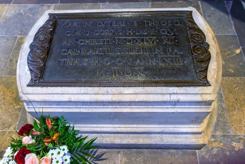 Мартин Luther& x27; могила s все острословие Schlosskirche церков замка Святых стоковые фото