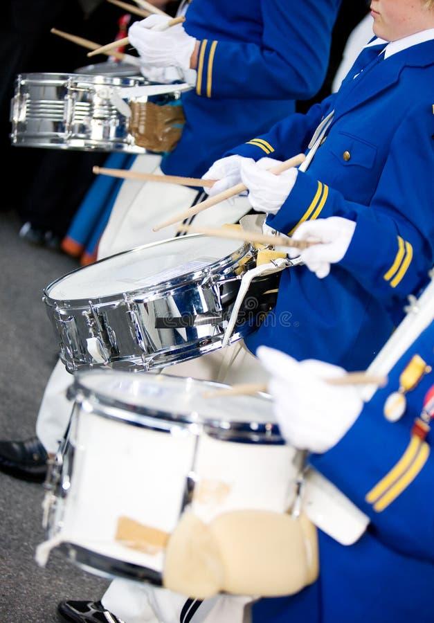 маршировать барабанщиков стоковые изображения rf