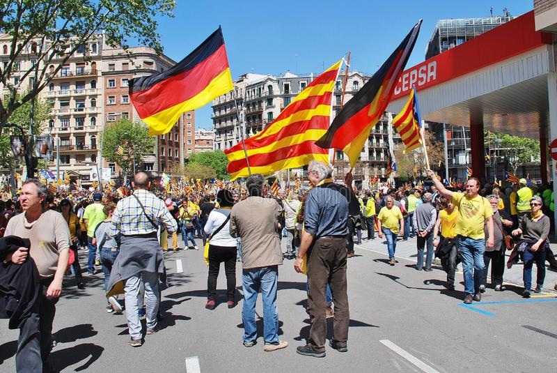 Марш политики Llibertat Presos в Барселоне стоковые фотографии rf