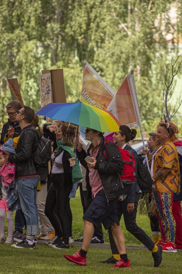 Марш Lgbt в парке стоковое изображение