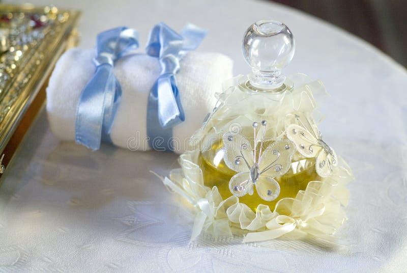 Download масло крещения младенца стоковое изображение. изображение насчитывающей церковь - 6869479