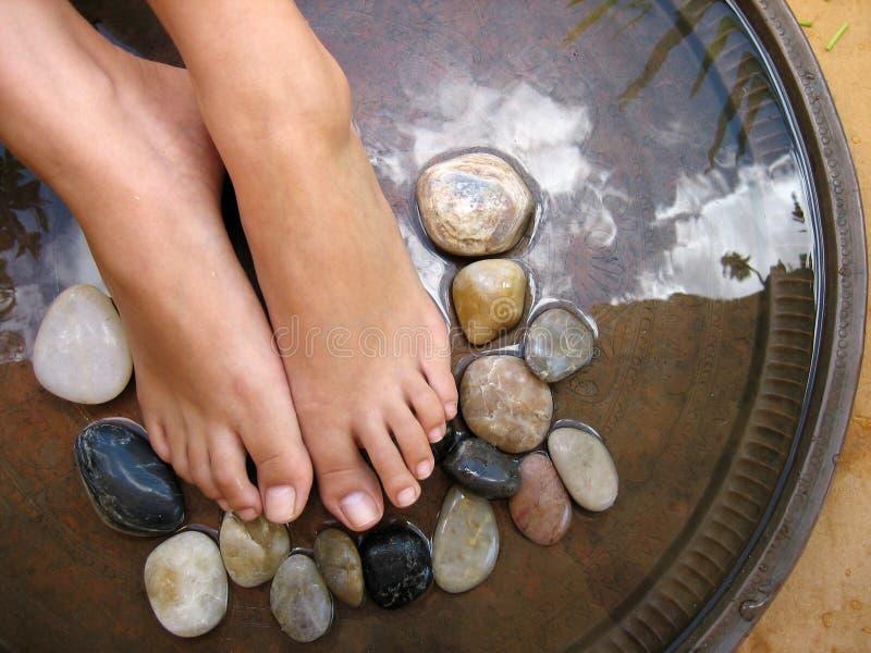 массаж в 1 ногу стоковое фото rf