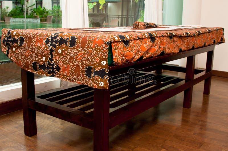 массаж кровати balinese стоковая фотография