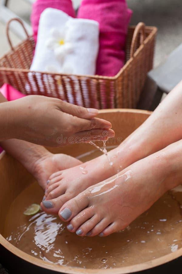Массаж курорта ноги в Таиланде стоковое фото rf
