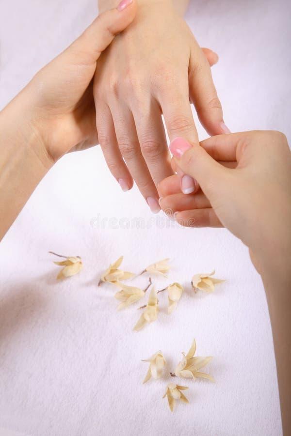 массаж руки стоковое изображение