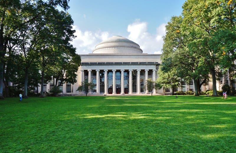 Массачусетсский институт (m I T ) в Кембридже, МАМЫ стоковое фото rf