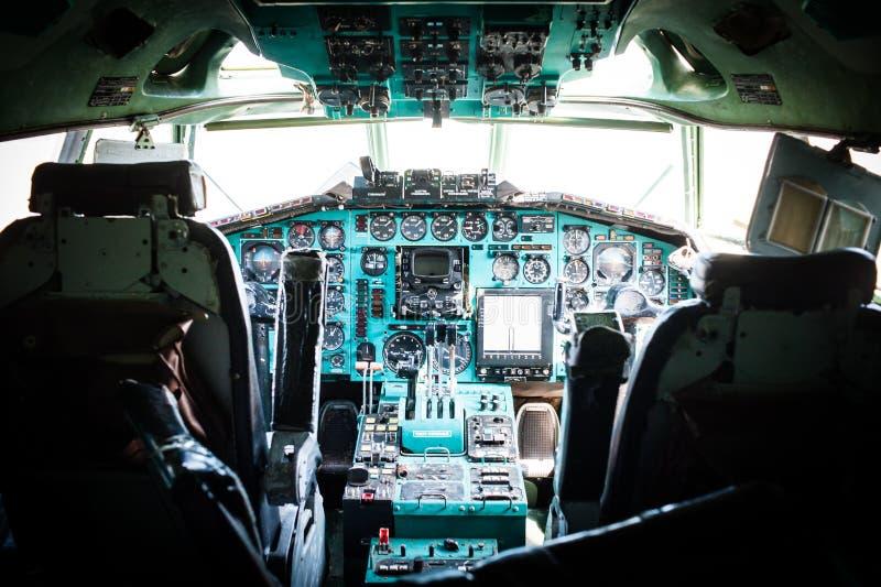 Массивнейшее советское средство пассажирского самолета Tu-154 - ряд стоковые изображения
