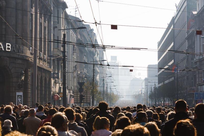 Массивнейшее траурное шествие в Белграде стоковая фотография rf