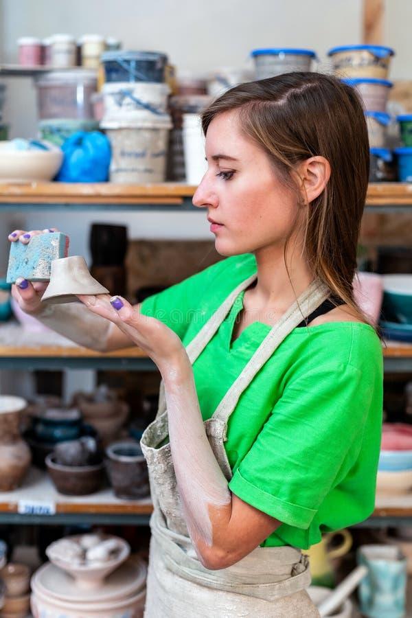 Мастерская концепция класса Фото взгляда со стороны профиля workmanship att стоковые фотографии rf