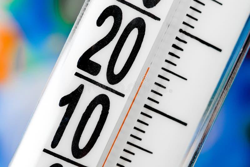 Масштаб термометра стоковая фотография
