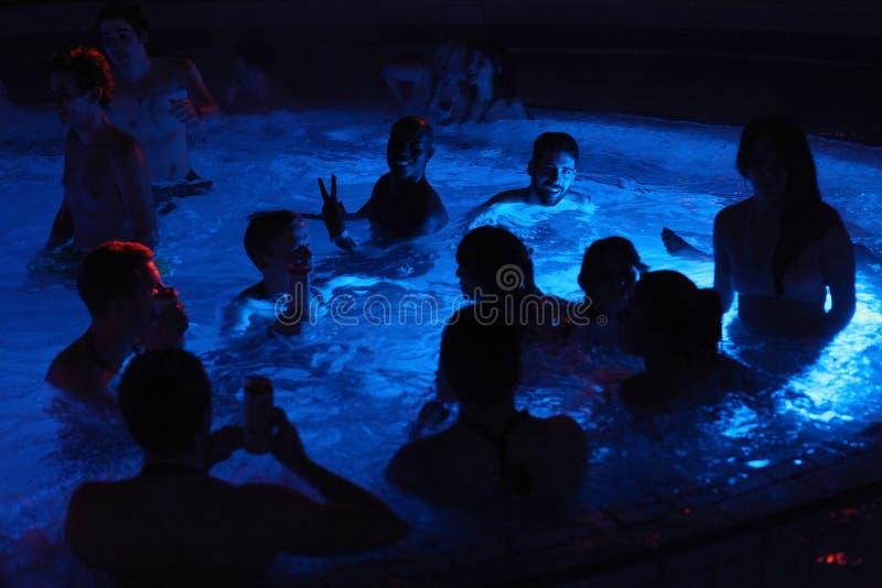 Масленица Masopust Церемониальное шествие Shrovetide, партия чеха RepubNight в термальной ванне в Будапеште, Венгрии стоковое фото rf