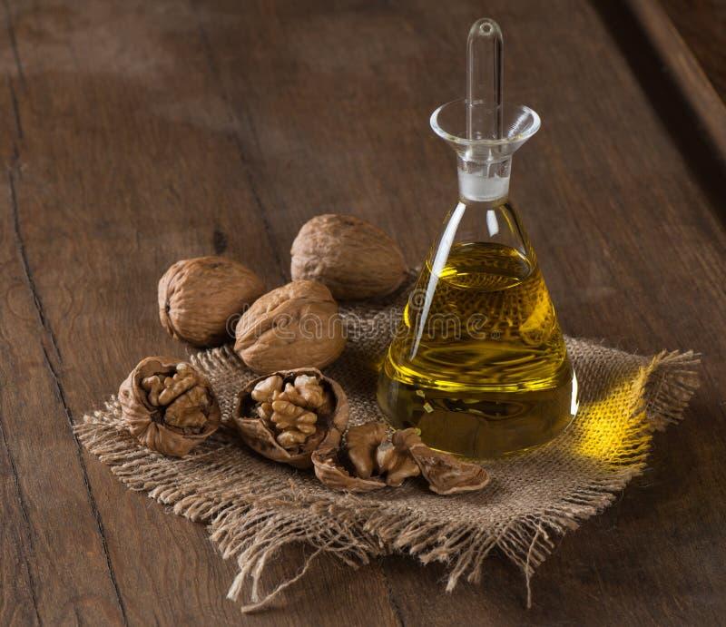 Масло грецкого ореха стоковое изображение