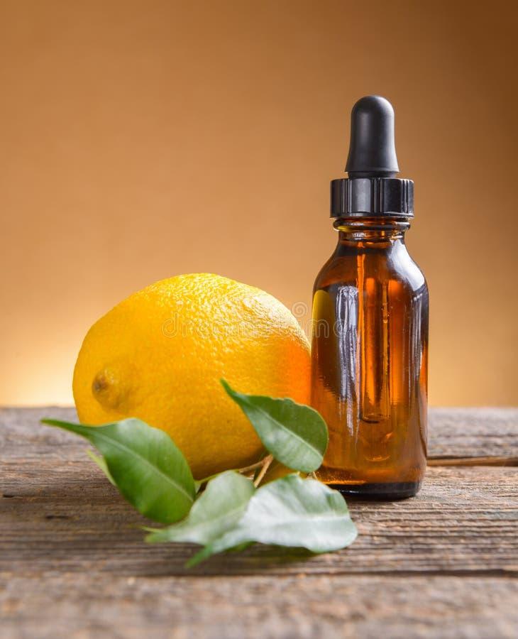 Масло лимона стоковая фотография